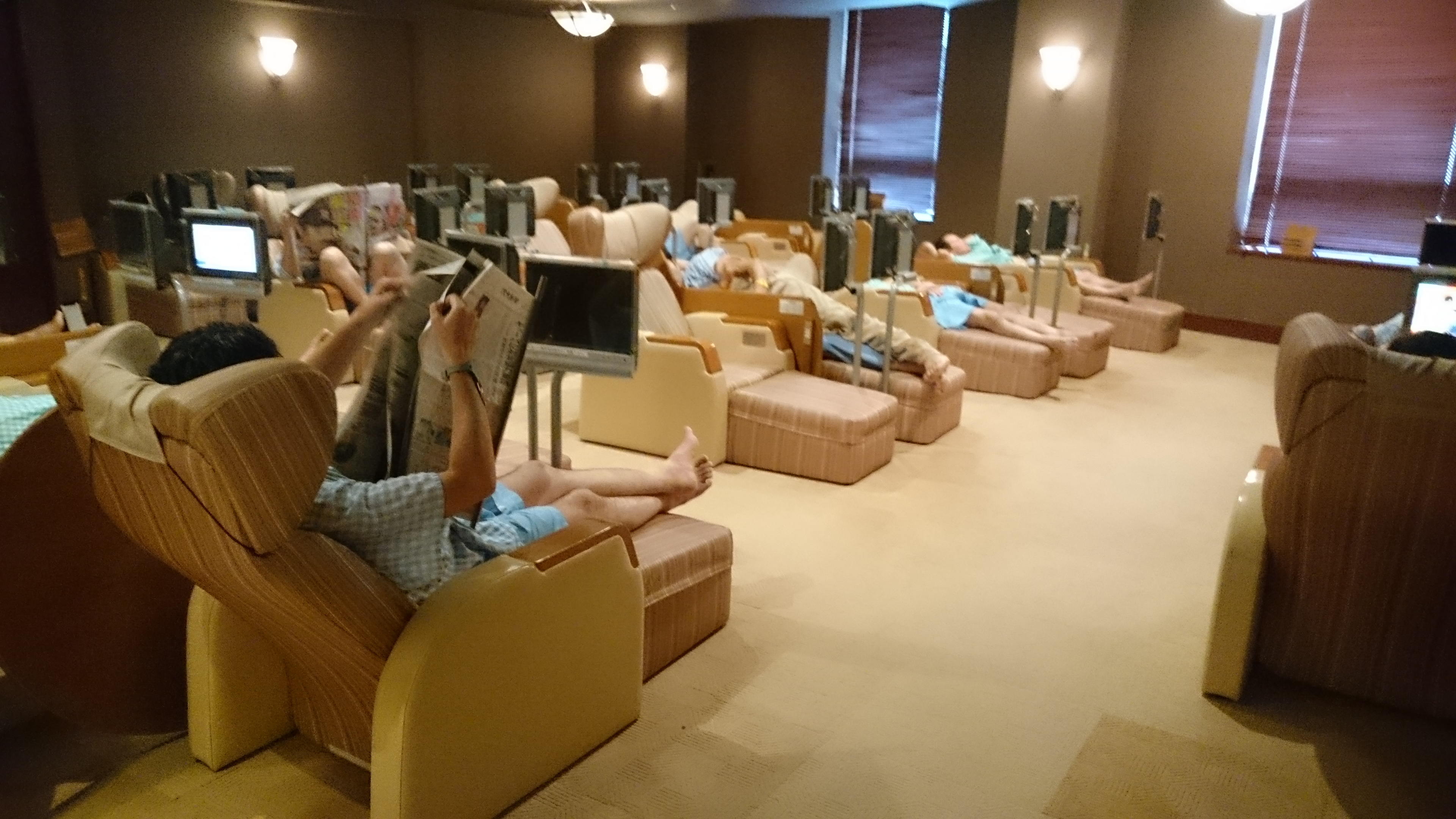 神戸三宮「神戸サウナ&スパ」リラックスコーナー画像