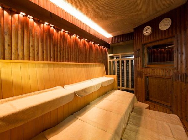 愛知県名古屋「ビーズホテル らくだの湯」サウナ画像