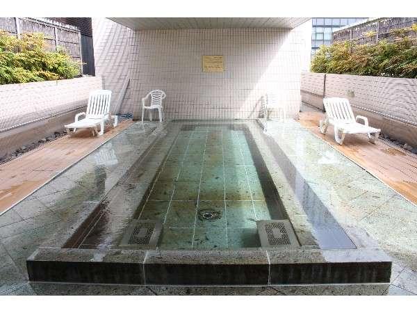 「カプセルホテル&サウナ北欧」露天風呂画像