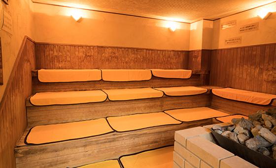 石川県金沢市「源泉掛け流し しあわせの湯」サウナ画像