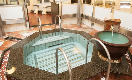 石川県金沢市「源泉掛け流し しあわせの湯」水風呂画像