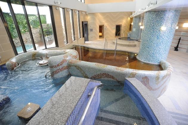 「横浜天然温泉 SPA EAS(スパ イアス)」浴室画像