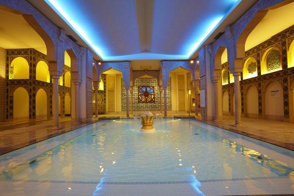 大阪府浪速区「スパワールド 世界の大温泉」イスラムエリア風呂画像