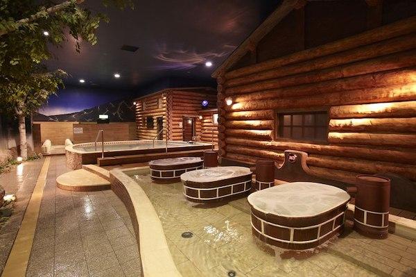 大阪府浪速区「スパワールド 世界の大温泉」フィンランドエリア風呂画像