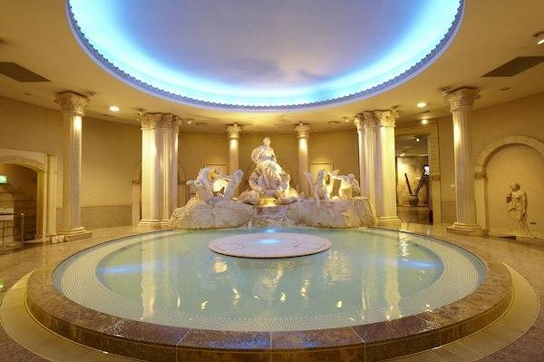 大阪府浪速区「スパワールド 世界の大温泉」古代ローマエリア風呂画像