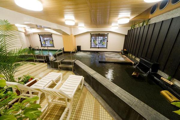 名古屋「ウェルビー名駅店」屋外水風呂画像